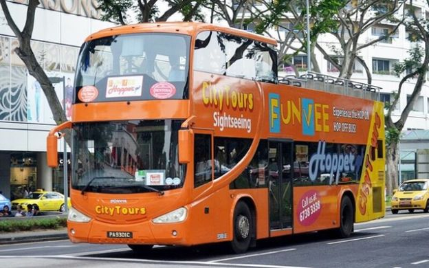 FunVee Singapore Hopper: Hop-On, Hop-Off Bus Tour